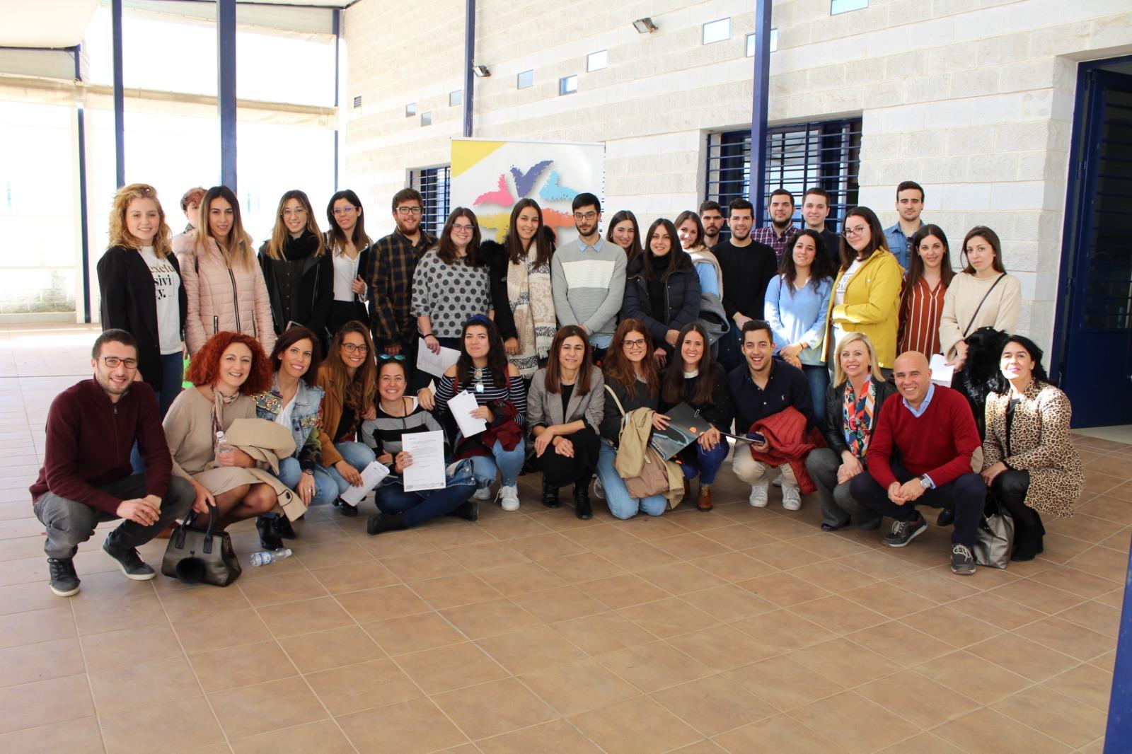 Foto de grupo de la jornada Juventud y empleabilidad en el Condado de Huelva