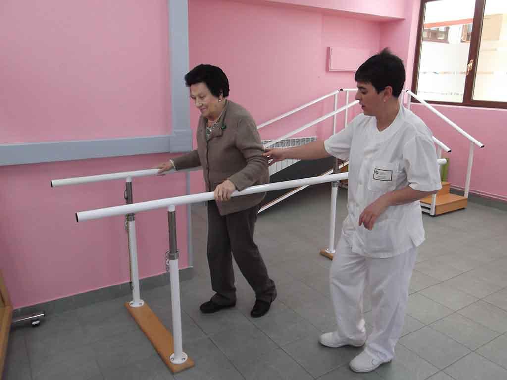 Los beneficios del ejercicio f sico en las personas mayores for Sillon alto para personas mayores